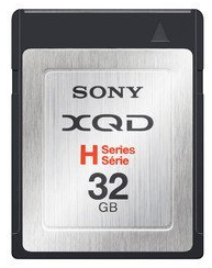 sony_32gb_xqd_memory_card.png